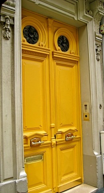 1.A yellow door is unusual in Toronto…try it, you will smile each time you come home. I like Sweet Mustard P5055-63 from Para Paints