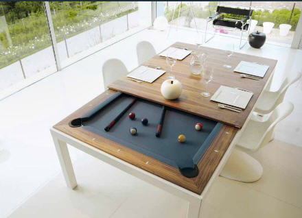 ....it opens up into a pool table.